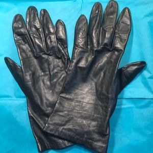 Vintage 1960s black gloves by Superb 7 1/2 GVC